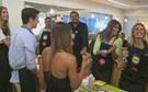 Preparação de Sushi Fest reúne famosos