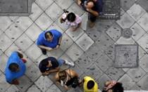 Bancos gregos de portas fechadas até referendo