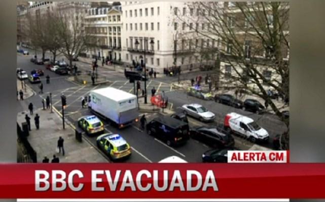 Zona da London Bridge e BBC evacuadas