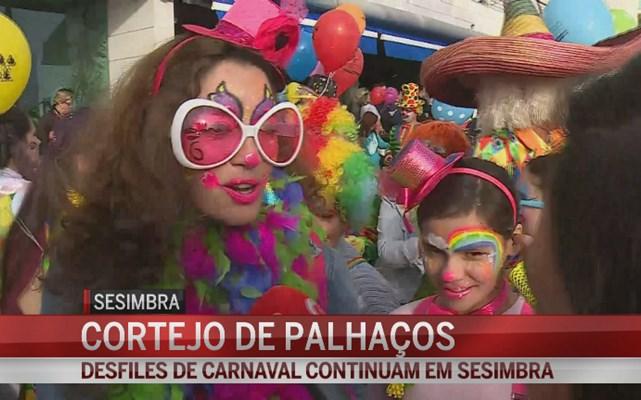 Palhaços e 'reis' brilham no Carnaval