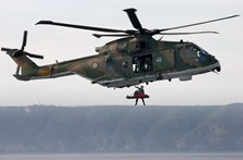 Dois velejadores alemães resgatados por helicóptero a sul do Algarve
