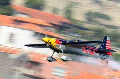 Falta de certificação de aeródromo da Maia ameaça Red Bull Air Race no Porto