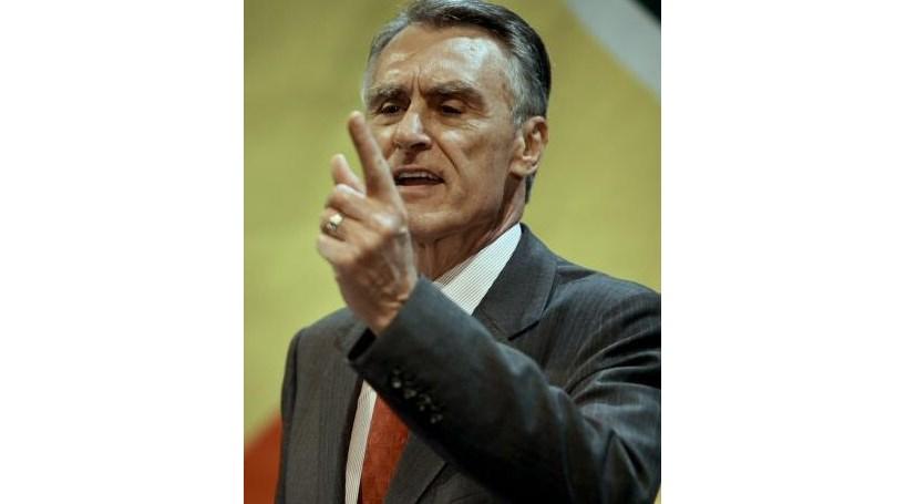 Sondagem CM/Aximage: Cavaco reeleito à primeira volta