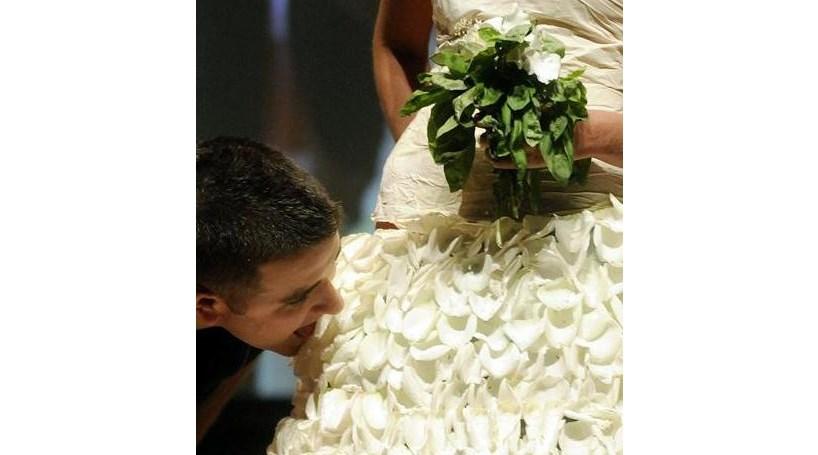 'Chef' faz vestido de noiva comestível