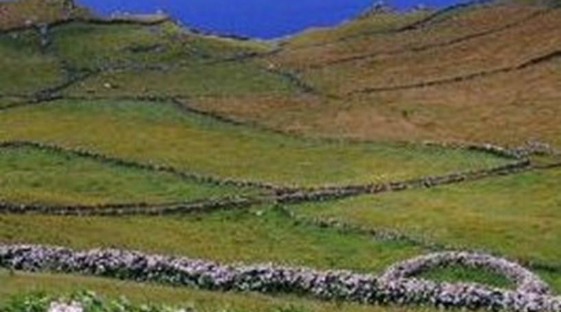 Monumentos funerários descobertos nos Açores