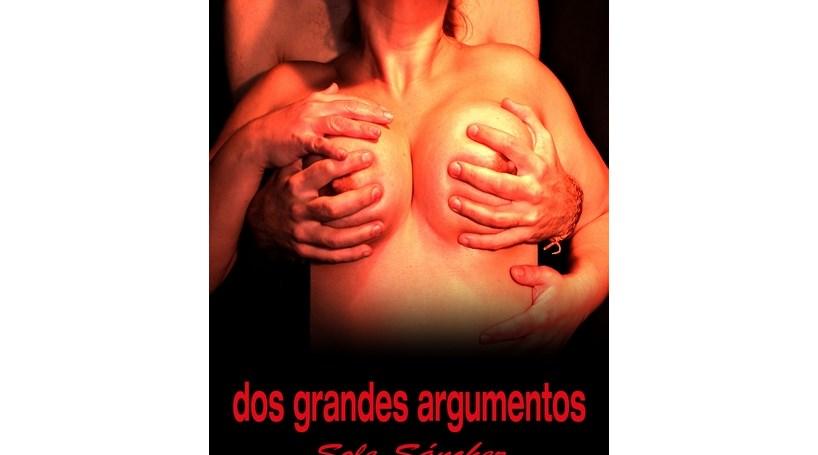 """Espanha: Candidata autárquica mostra """"dois grandes argumentos"""""""