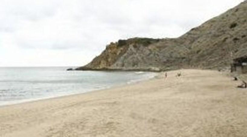 Quatro praias do Algarve abrem época balnear