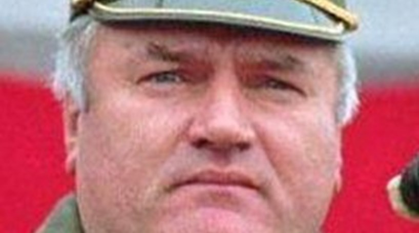 Mladic extraditado para Haia