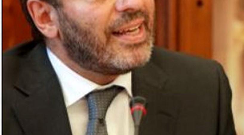 Professores de EVT acusam ministro de incoerência