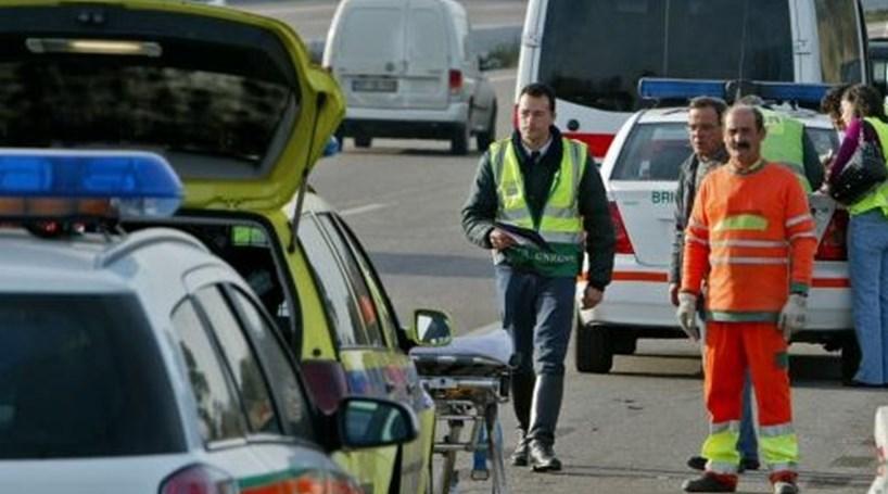 Resultado de imagem para Trabalhador da Brisa morre atropelado na A1