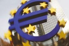 Euro recupera face ao dólar após acordo sobre a Grécia