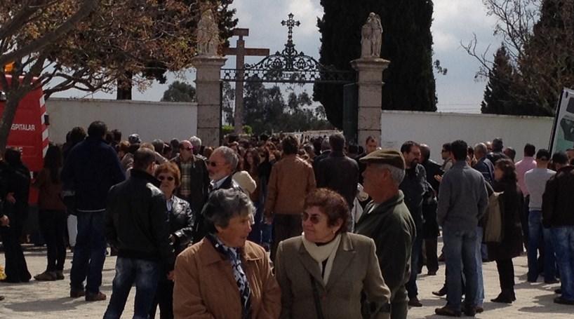 Milhares no funeral de jovem morto em Lloret de Mar
