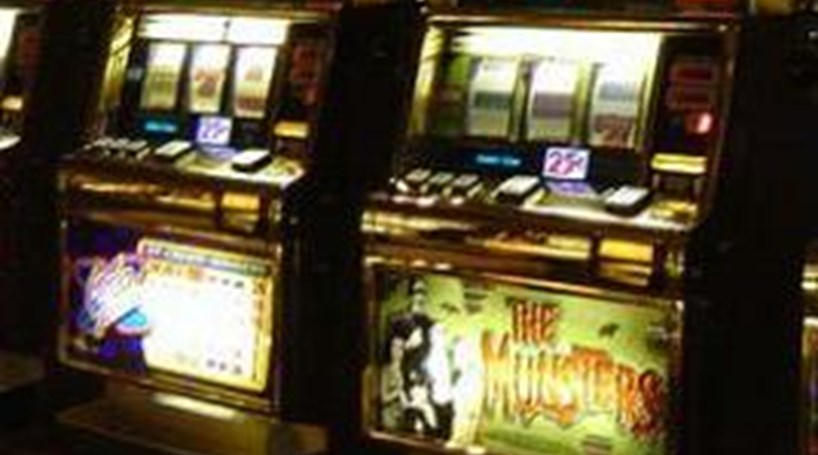 Casino condenado a pagar 83 mil euros a cliente viciado no jogo