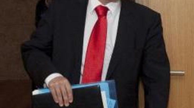 Secretas: PS desafia maioria PSD/CDS a aprovar reforma