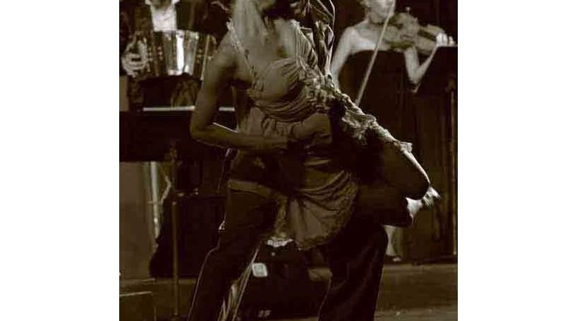 Tango argentino ao som de concertina e piano