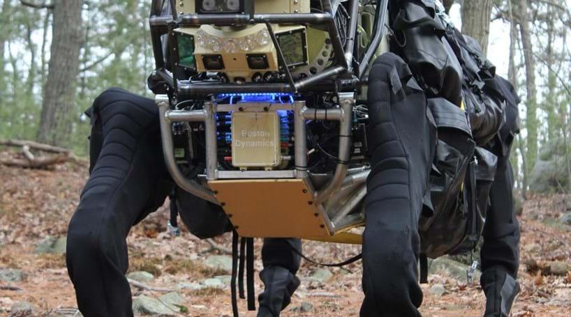 Militares americanos criam 'cão robótico' (COM VÍDEO)