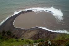 Mau tempo causa danos materiais nas ilhas do Corvo e Flores