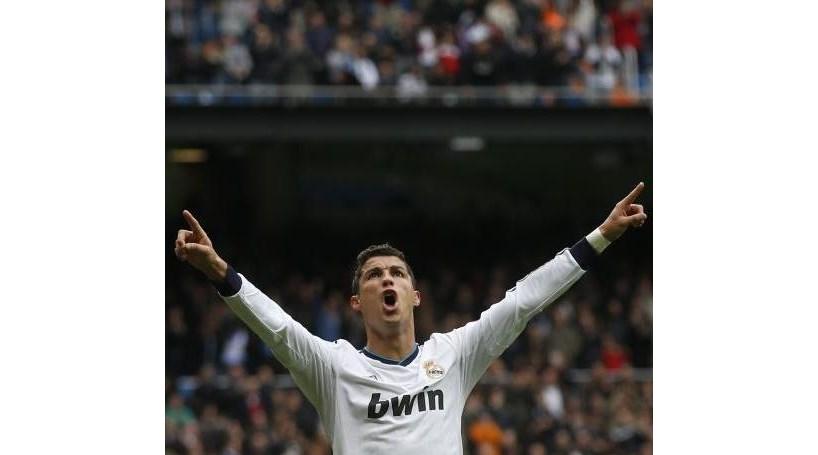 Cristiano Ronaldo faz hat-trick madrugador