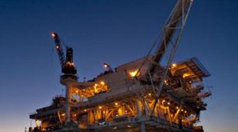 Petróleo: Barril de Brent desvaloriza