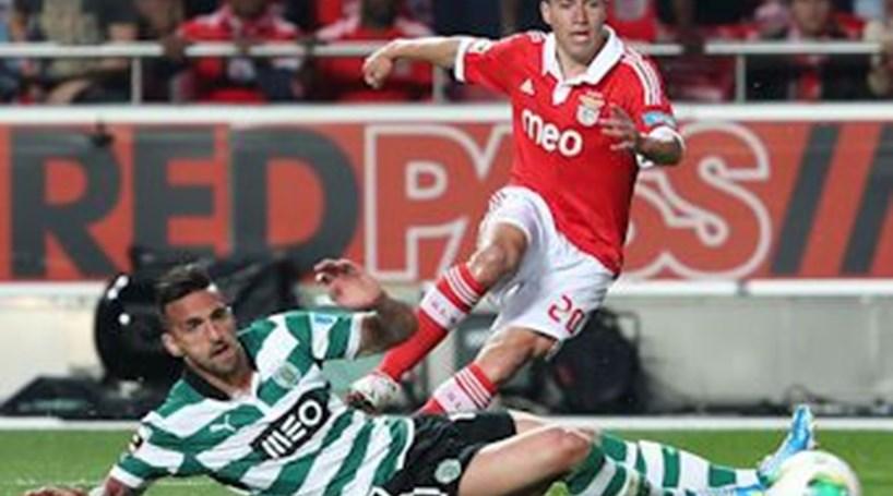 Benfica arranca em sinal fechado