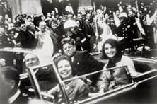 Trump autoriza publicação de documentos sobre assassínio de Kennedy