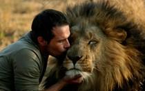 Mundo Louco: O homem que brinca com leões