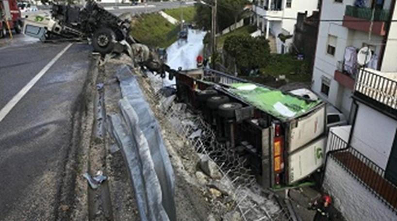 Resultado de imagem para Despiste de camião condiciona acesso a Coimbra