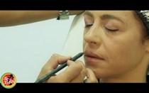 Sibila aprende a maquilhar-se com o cabeleireiro Miguel Ferreira