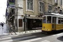 Carris reforça percurso do elétrico 28 em Lisboa com dois autocarros