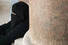 Partido britânico UKIP quer proibir o uso da 'burka' em público