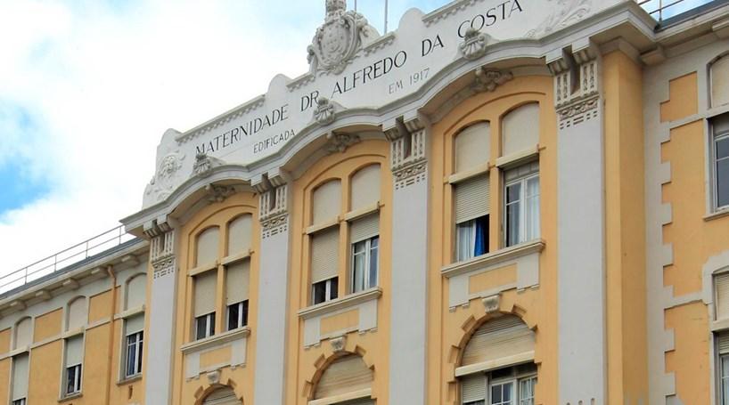 Protesto de enfermeiros fecha quase metade dos blocos de parto na Alfredo da Costa