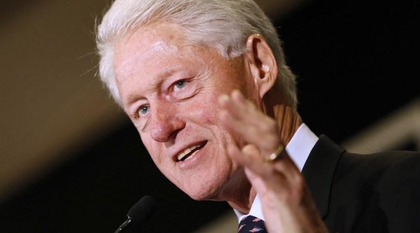 Jornalista acusa Bill Clinton de toques de cariz sexual