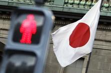 Tufão Lan aproxima-se do Japão e pode tocar terra em dia de eleições