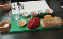 Aprenda a cozinhar gaspacho com carapau