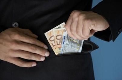 Tesoureiro desvia 29 mil euros