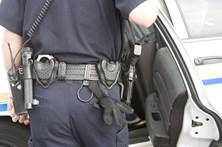 Assaltante apanhado agride polícia