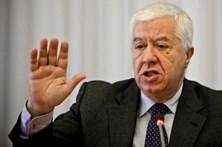 """Ex-ministro considera que portugueses """"vão pagar fatura"""" da venda do Novo Banco"""