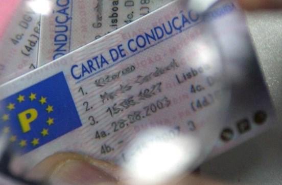 Condução de ciclomotores passa a ter carta de condução como título único