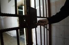 Seis anos de prisão para acusado de assaltar casa de idosa que morreu