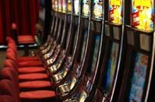 Mulher detida e máquinas de jogo ilegal apreendidas em Almada