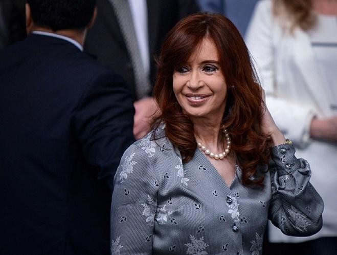 Juiz argentino pede prisão de ex-presidente Cristina Kirchner