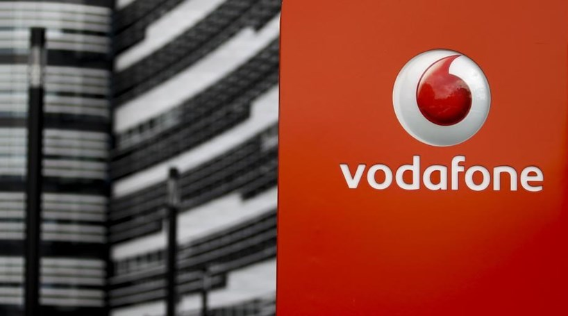 vodafone cm Vodafone group plc / ˈ v oʊ d ə f oʊ n / is a british multinational telecommunications conglomerate, with headquarters in london it predominantly operates services in the regions of asia, africa, europe, and oceaniaamong mobile operator groups globally, vodafone ranked 4th (behind china mobile, bharti airtel and vodafone idea) in the number of mobile customers (313 million) as of 2018.