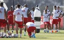 Maxi Pereira e Gaitán vão medir forças no clássico