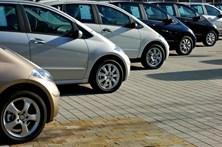 Crescimento da venda de automóveis abranda para 5,2% em fevereiro