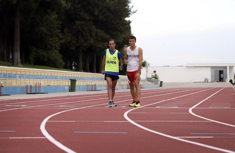 Nuno Alves - Português, atleta, campeão e cego
