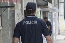 Mala abandonada fecha rua no Príncipe Real em Lisboa