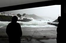 Açores enfrentam tempestade que chega ao continente na quinta-feira