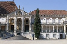 Mulher encontrada morta junto à Universidade de Coimbra