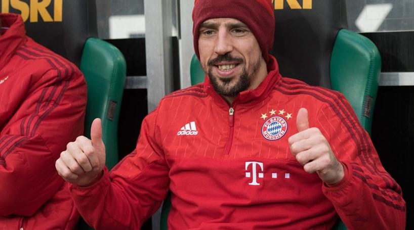 Ribery prolonga contrato com Bayern por mais uma época
