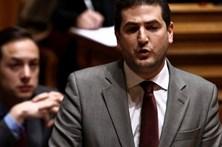 """PSD acusa """"Governo das esquerdas"""" de estatizar o emprego em ano eleitoral"""